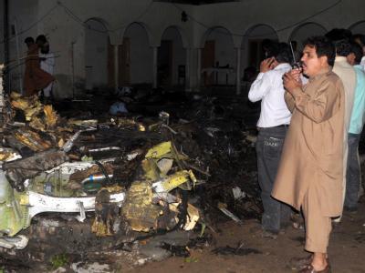 Bei schwerem Regen ist ein Passagierflugzeug von Bhoja Air In Pakistan abgestürzt. Foto: MD Nadeem