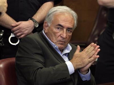 Dominique Strauss-Kahn vor knapp einem Jahr in einem New Yorker Gerichtssaal. Foto: Richard Drew