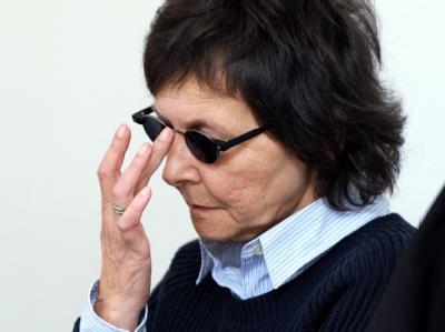 Die frühere RAF-Terroristin Verena Becker im Landgericht in Stuttgart. Foto: Franziska Kraufmann/Archiv