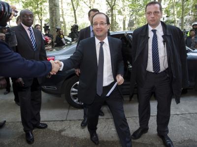 Mit einer rauschenden Partynacht hat die französische Linke den Wahlsieg von François Hollande gefeiert. Nun wird die Machtübernahme am 15. Mai vorbereitet. Foto: Ian Langsdon