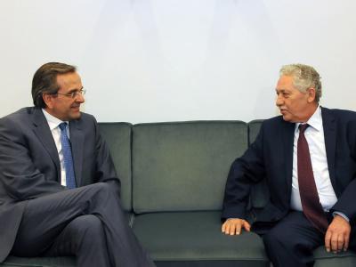 Antonis Samaras (l) im Gespräch mit Fotis Kouvelis, Führer der Demokratischen Linken. Foto: Willy Antoniou