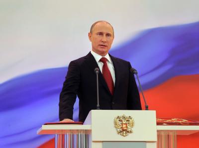 Begleitet von Protesten tritt Wladimir Putin seine dritte Amtszeit als russischer Präsident an. Foto: Vladimir Rodionov