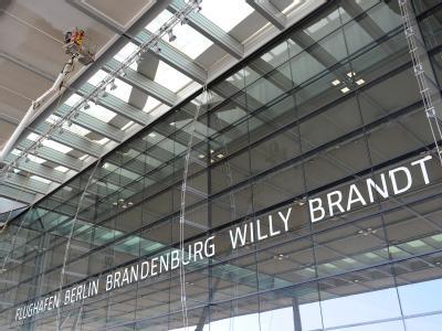 Der neue Flughafen Berlin Brandenburg in Schönefeld wird nicht planmäßig am 3. Juni eröffnet. Eine offizielle Bestätigung dafür gab es zunächst nicht. Foto: Bernd Settnik