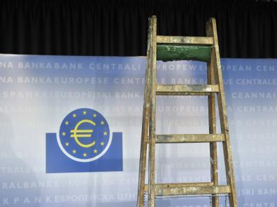 Der Streit um den Fiskalpakt wird zum Rennen gegen die Zeit. Auch beim Spitzentreffen im Kanzleramt wird es noch keine Einigung geben. Foto: Boris Roessler