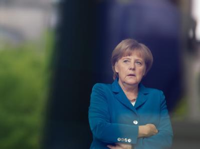 Bundeskanzlerin Angela Merkel lehnt jede Änderung am ausgehandelten europäischen Fiskalpakt ab. Foto: Michael Kappeler/Archiv