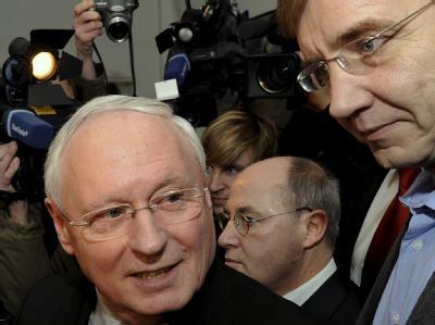 Oskar Lafontaine (l.) und Dietmar Bartsch (r.): Nach der NRW-Wahl ist der Machtkampf in der Linken offen ausgebrochen. Foto: Tim Brakemeier/ Archiv