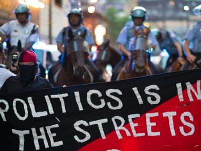 Der NATO-Gipfel in Chicago wird von heftigen Protesten begleitet. Foto: Peer Grimm