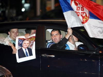 Anhänger feiern Nikolic-Sieg