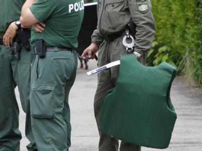 Polizeikräfte im schwäbischen Memmingen: Großaufgebot für einen 14-Jährigen. Foto: Karl-Josef Hildenbrand