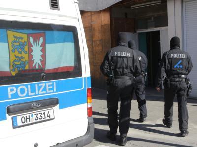 Die Polizeiaktion richtet sich besonders gegen Mitglieder des seit Januar verbotenen Kieler Chapters der «Hells Angels». Foto: Markus Scholz