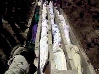 Ein Video-Still von der Beerdigung der Opfer des Massakers von Al-Hula. Foto: Sham News Network/Archiv