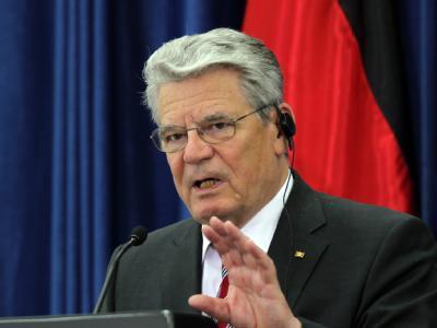 Die Warnung von Bundespräsident Joachim Gauck vor übermäßigen Subventionen bei der Energiewende stößt bei SPD-Politikern auf Widerspruch. Foto: Atef Safadi/Archiv