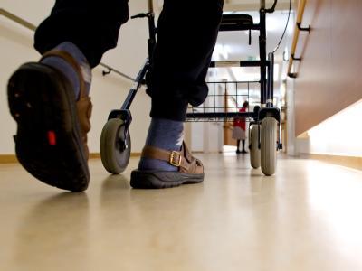 Suchtprobleme sind in deutschen Pflegeheimen weit verbreitet. Foto: Sven Hoppe