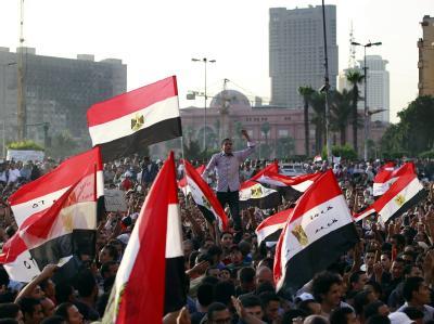 Das Urteil gegen Mubarak hat viele Ägypter nicht zufriedengestellt. Auf dem Tahrir-Platz in Kairo und in anderen Städten demonstrieren die Menschen. Foto: Amel Pain