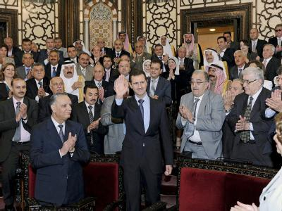 Syriens Präsident Baschar al-Assad im neu gewählten Parlament. Foto: SANA