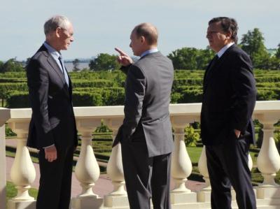 Führende Vertreter der EU und Russland sind in St. Petersburg zu einem Gipfeltreffen zusammengekommen. Foto: Alexey Nikolsky/Ria Nowosti/ Government Press Pool Mandatory Credit