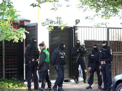 Die Razzia richtet sich gegen die organisierte Kriminalität von Rockerbanden, vor allem gegen Drogendelikte, und war seit Monaten vorbereitet worden. Foto: Nestor Bachmann