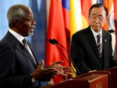 Immer neue Massaker in Syrien - und die Vereinten Nationen tun fast nichts. Jetzt fordern Ban Ki Moon (r) und Kofi Annan Taten - und hoffen auf eine Kontaktgruppe. Foto: Justin Lane