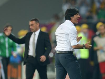 Bundestrainer Löw jubelt über den Auftaktsieg der DFB-Elf. Foto: Andreas Gebert