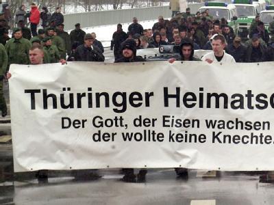 Der Erfurter Verfassungsschutz bestätigt, dass fast jeder zehnte Aktivist im «Thüringer Heimatschutz» zwischen 1997 und 2003 ein V-Mann war. Foto:Gordon Schmidt / Archiv