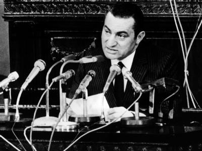 Der neue ägyptische Präsident Husni Mubarak am 08.11.1981 in seiner ersten Rede vor dem ägyptischen Parlament in Kairo. Foto: UPI