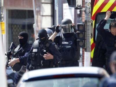 Nach dem Ende des Einsatzes: Die Polizei beendete die Geiselnahme in Toulouse. Foto: Guillaume Horcajuelo