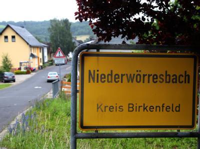 Eine Großmutter soll ihre zweijährige Enkelin in  Niederwörresbach mit einem Messer umgebracht haben. Foto: Thomas Frey