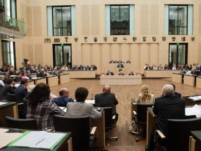 Auch der Bundesrat stimmte am Freitag Abend Fiskalpakt und ESM zu. Foto: Maurizio Gambarini