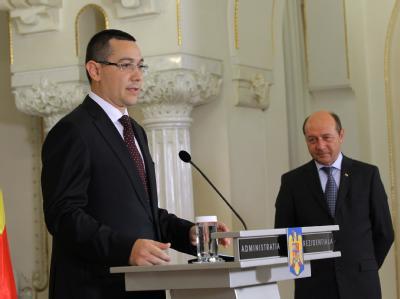 Die Kontrahenten im rumänischen Machtkampf: Der sozialistische Regierungschef Victor Ponta und der bürgerliche Staatspräsident Traian Basescu (r). Foto: Robert Ghement