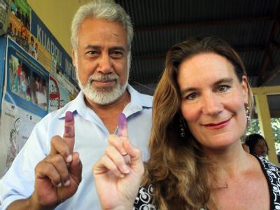 Premierminister Xanana Gusmão und seine Frau nach ihrer Stimmenabgabe. Foto: Antonio Dasiparu