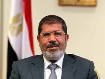 Erste Machtprobe am Nil: Gerade eine Woche im Amt, legt sich Präsident Mursi mit dem Militärrat und Verfassungsgericht an. Foto: Khaled Elfiqi