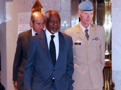 Der UN-Sondergesandte Annan und der Chef der UN-Mission in Syrien, Robert Mood. Foto: Youssef Badawi