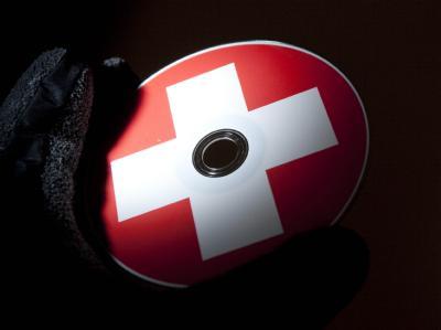 Das Land Nordrhein-Westfalen hat nach einem Bericht der «Financial Times Deutschland» erneut eine CD mit Steuerdaten aus der Schweiz gekauft. Foto: Frank Rumpenhorst