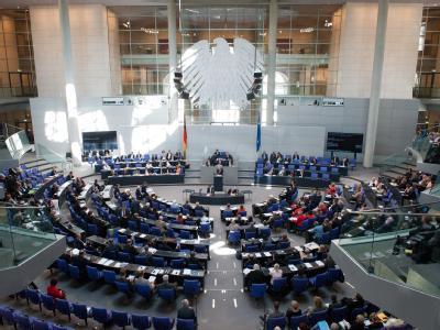 Zentraler Streitpunkt in Karlsruhe waren die Überhangmandate, von denen in der Regel die großen Parteien profitieren. Foto: Maurizio Gambarini/Archiv