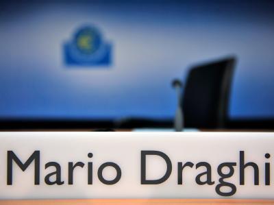 Was tut die Notenbank, um den Euro zu retten? EZB-Präsident Draghi hat Erwartungen geschürt. Foto: Marc Tirl