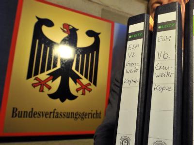 Das Urteil des Bundesverfassungsgerichts zum EU-Fiskalpakt und Euro-Rettungsschirm ESM wird mit Spannung erwartet. Foto: Uli Deck