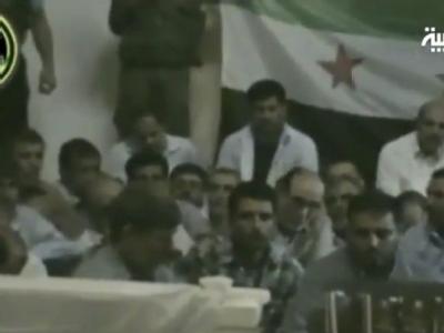Ein Video des saudischen Nachrichtensenders Al-Arabija zeigt einen Teil der Entführten in der Gewalt der sogenannten Al-Baraa-Märtyrerbrigade. Foto: Al Arabiya