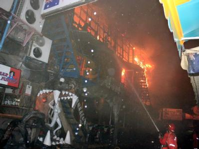 Feuer im Nachtclub auf Ferieninsel Phuket