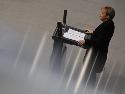 Bundeskanzlerin Angela Merkel gibt im Bundestag die erste Regierungserklärung ihrer zweiten Amtszeit ab.