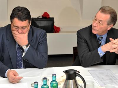 Der designierte SPD-Vorsitzende Sigmar Gabriel (l) und Amtsinhaber Franz Müntefering.