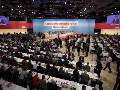 Blick in den Sitzungssaal des SPD-Bundesparteitages in Dresden.