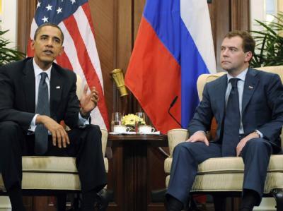 US-Präsident Obama bei seinem Treffen mit seinem russischen Amtskollegen Medwedew in Singapur.