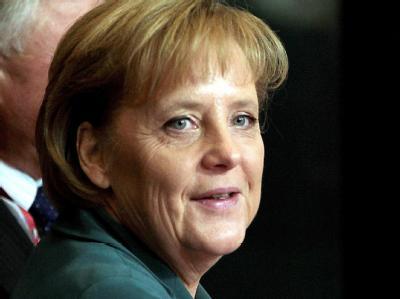 Vornehme Zurückhaltung: Angela Merkel vor Beginn des EU-Sondergipfels in Brüssel.