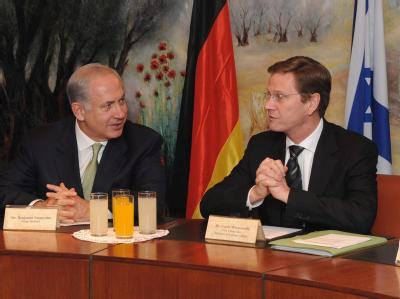 Außenminister Guido Westerwelle ist mit Ministerpräsident Benjamin Netanjahu zusammengetroffen.