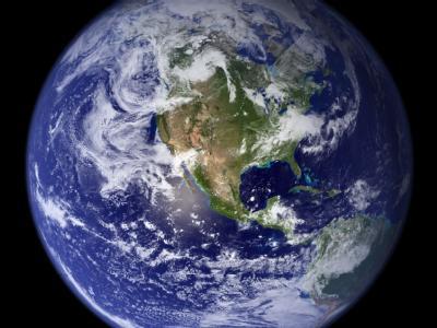 Die NASA-Aufnahme von 2006 zeigt die westliche Hemisphäre der Erdkugel.