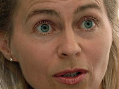 Die Grünen forderten Arbeitsministerin Ursula von der Leyen (CDU) zum Nachsitzen auf. Archivfoto: Holger Hollemann