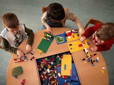 Kinder ohne Migrationshintergrund werden häufiger in Kindergärten betreut. Foto: Patrick Pleul / Archiv