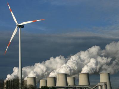 Genug andere Kraftwerke: Die Linke-Fraktion hält den Atomausstieg bis 2014 für machbar. (Archivbild).