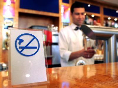 Ab dem 2. Januar ist in Spanien der Tabakgenuss in allen geschlossenen und öffentlich zugänglichen Räumen untersagt. (Archivbild)