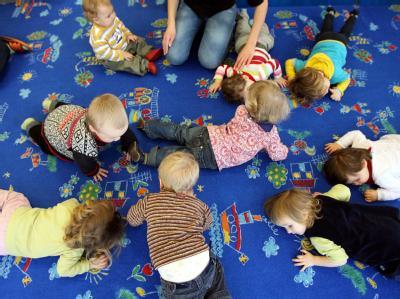 Bei der Einführung eines Betreuungsgelds für Kleinkinder sind sich CSU und FDP uneinig.